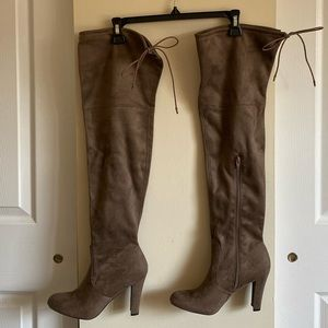 Mossimo | Mariah Over The Knee Boot | Size 9 |